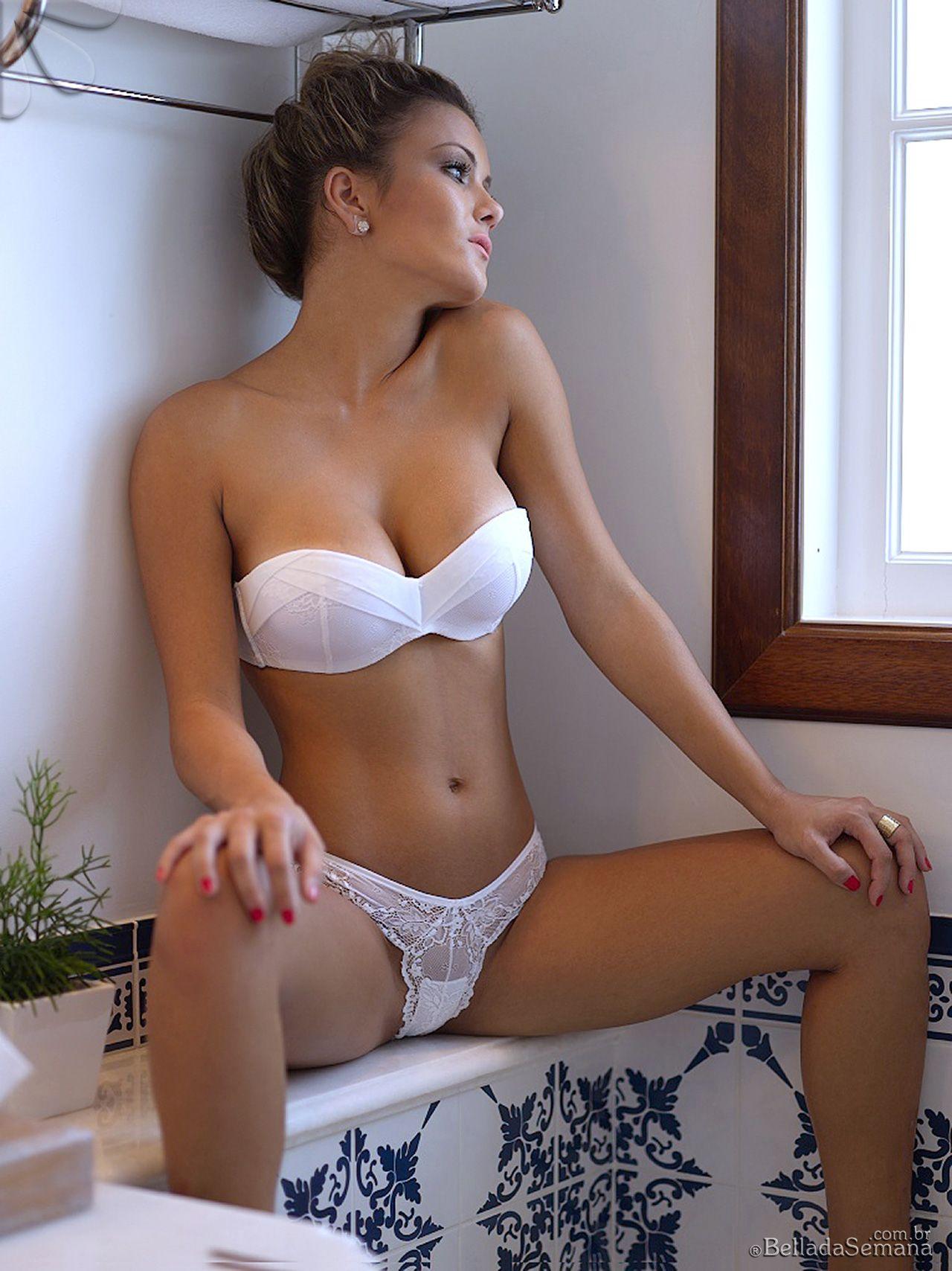 chinese-naked-flexy-girls