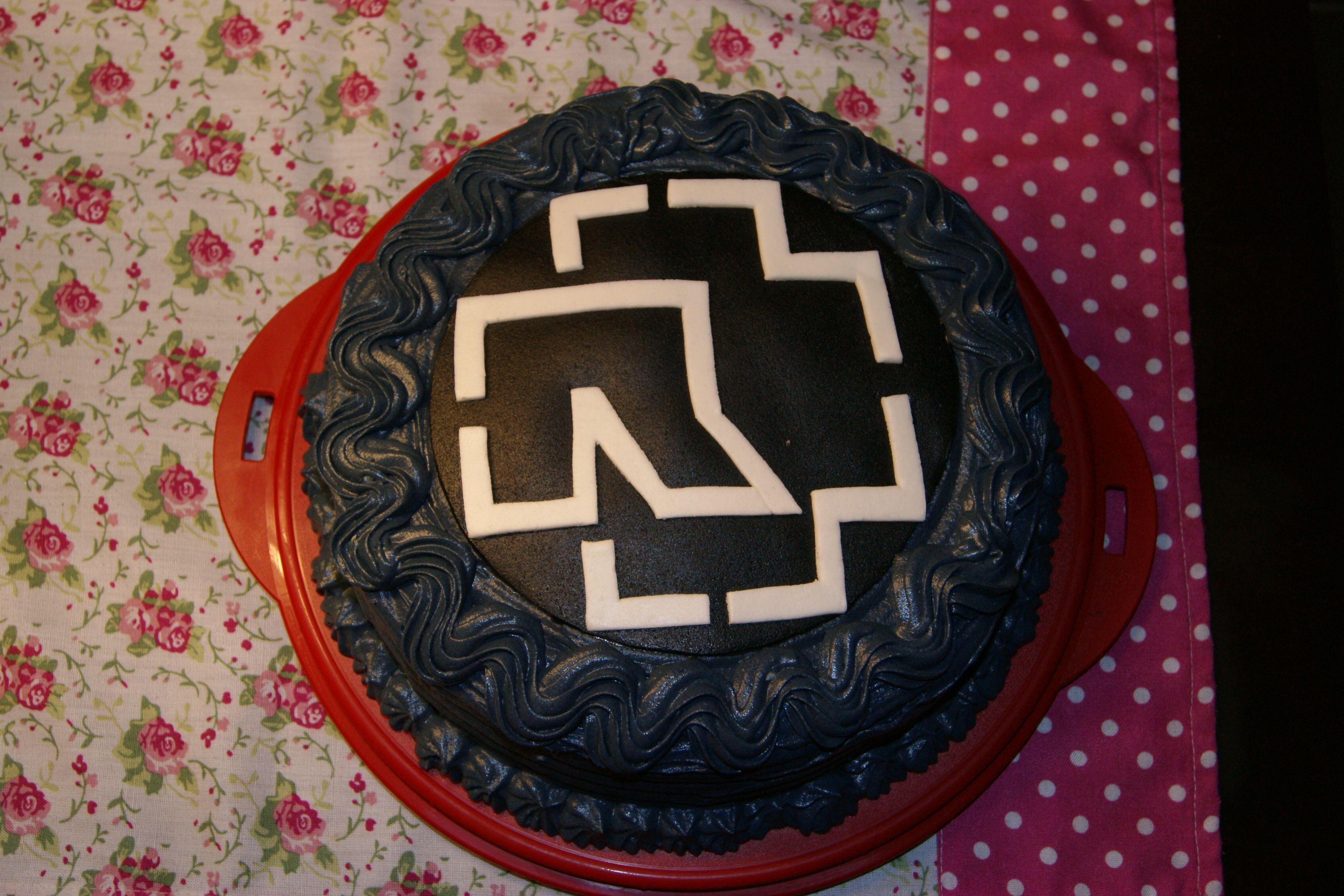 Geburtstagstorte Weiblichen Heavy Metal Fan 22114801 Cake