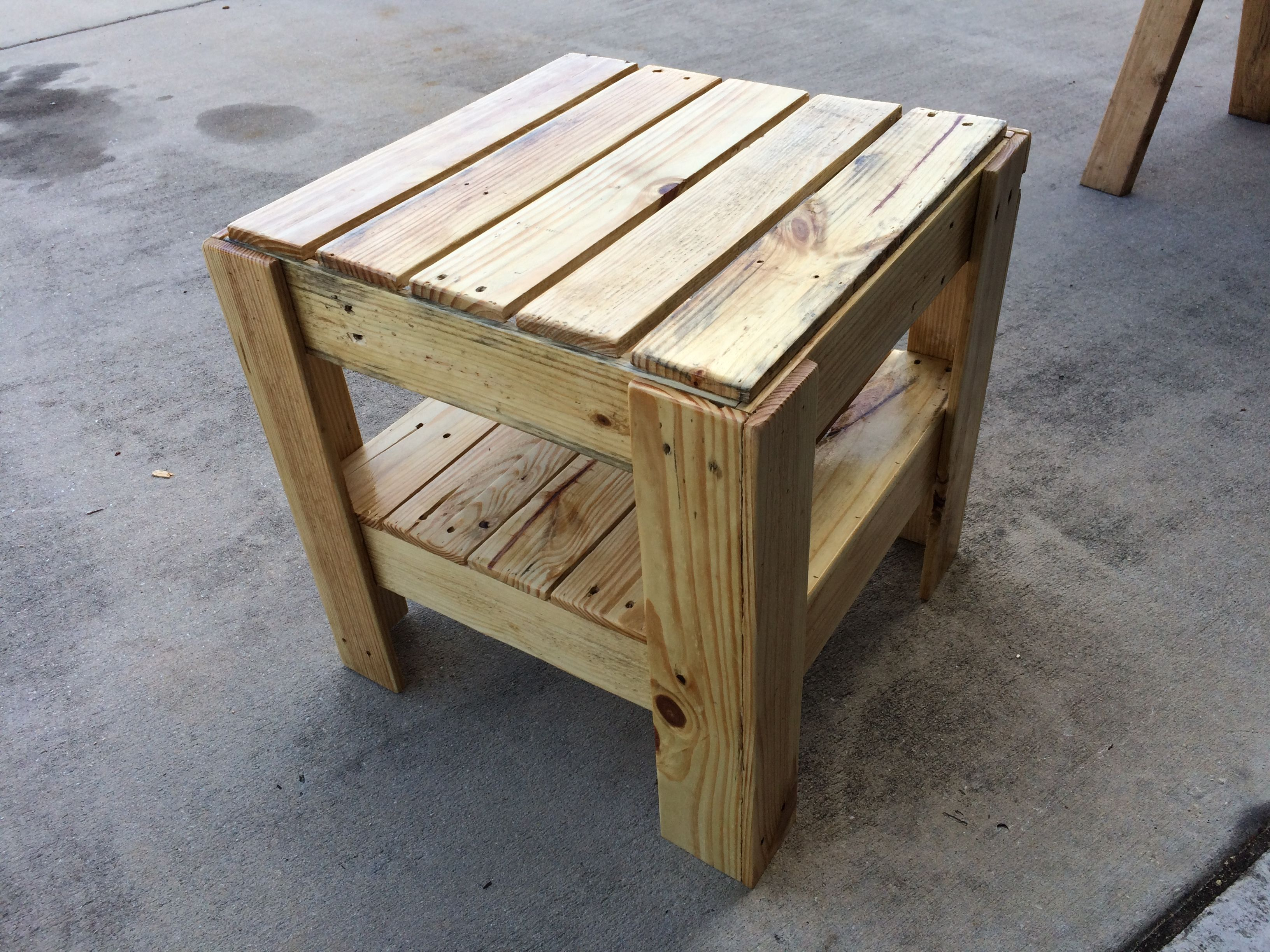 End Table That I Made Out Of Pallets Paletes