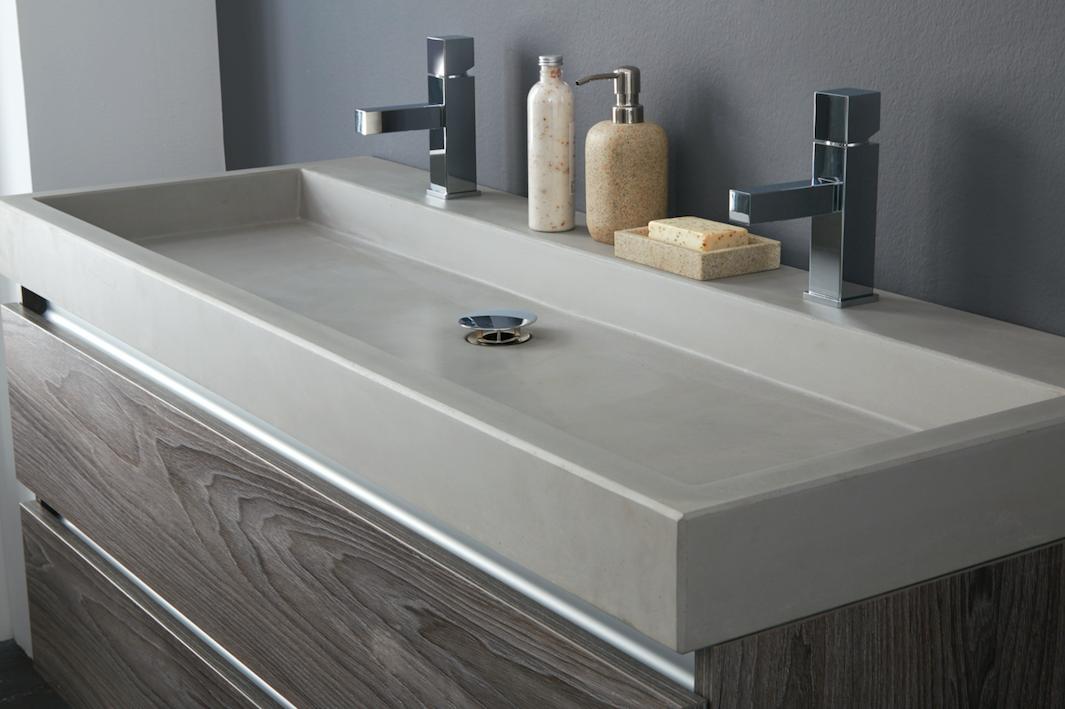 Betonnen Wasbak Badkamer : Maak een industriële badkamer af met een betonnen wasbak allure