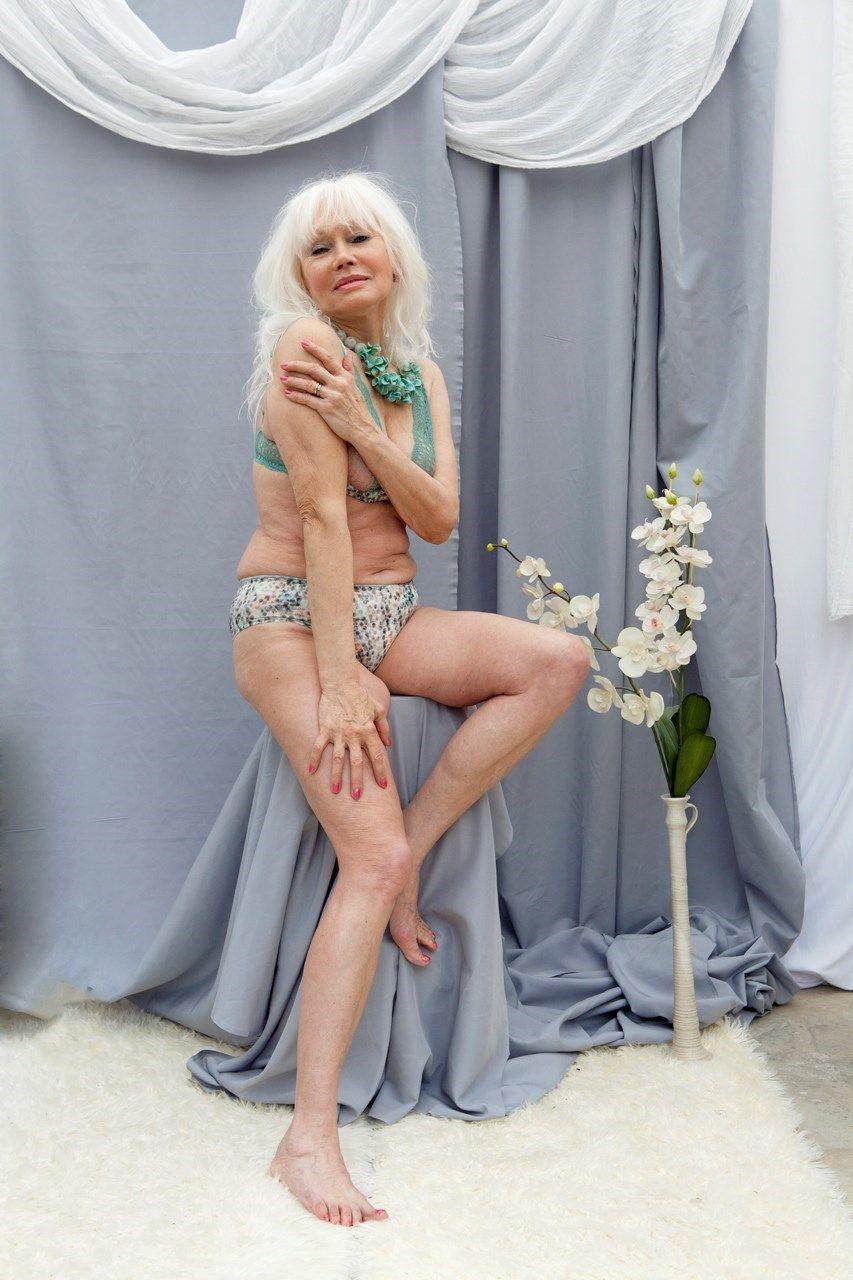 Mimi marks nude