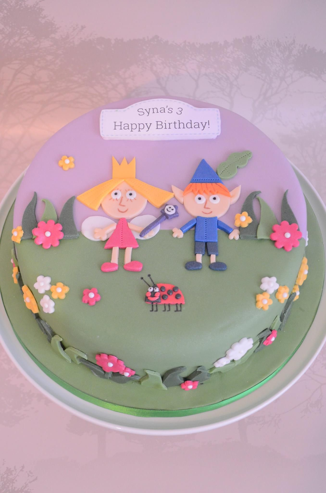 Ben And Holly Cake With Images Ben And Holly Cake No Bake