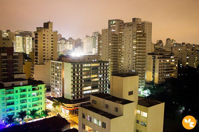 Vista de São Paulo - Noite no Hotel Pergamon na Rua Frei Caneca
