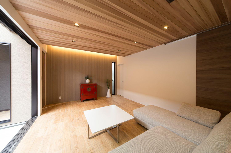 天然素材の天井 床が心地よい27畳のldkと家族の気配を感じながら