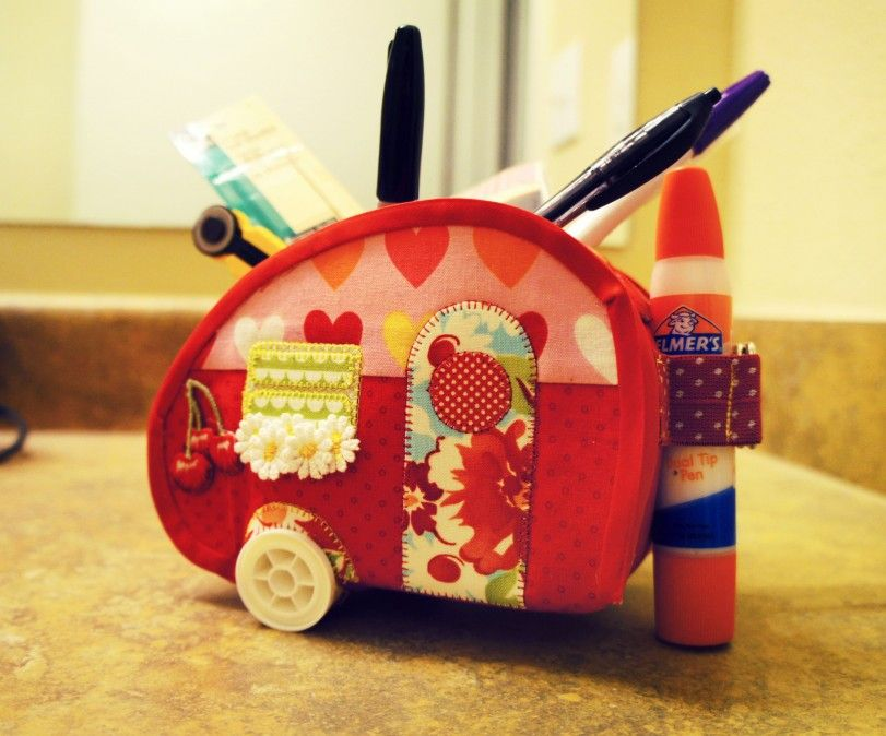 This is my new teardrop trailer sewing box that I sewed for Slice @ Moda Bakeshop.