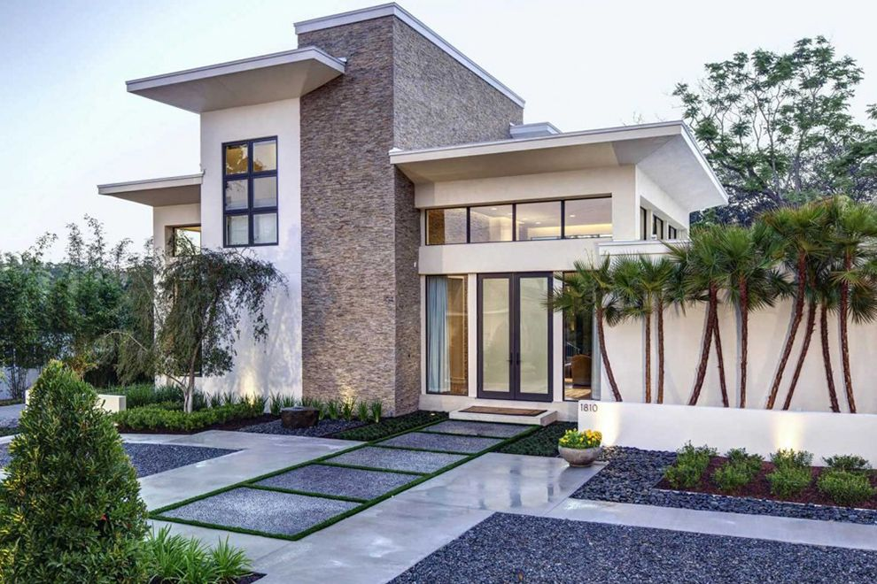 Modern Front Yard Landscaping Planted With Ornamental Plants And Flowers Al Modern Landscaping Modern Landscape Design Front Yard Front Yard Landscaping Design