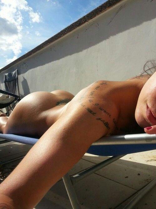 Fat bottom girls nude