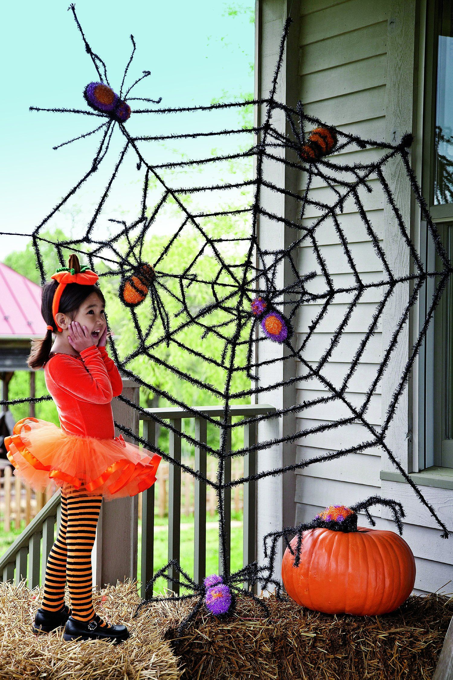 Giant Spider Web And Giant Spiders Halloween Decoration Click