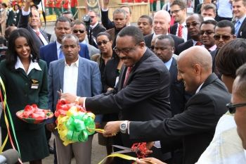 Unitechnik übergibt Logistikanlage an Ethiopian Airlines - http://www.logistik-express.com/unitechnik-uebergibt-logistikanlage-an-ethiopian-airlines/