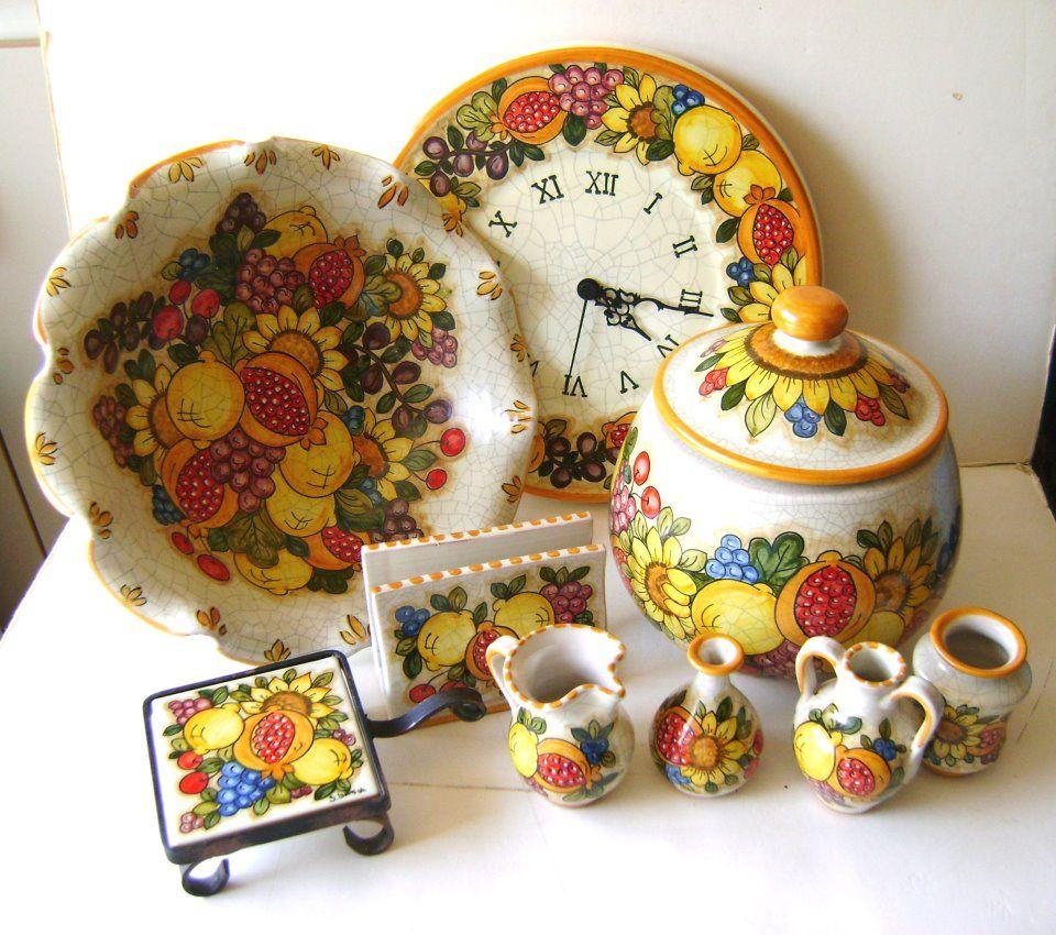 Set da cucina: Centrotavola, Orologio, Mignon per le mensole, Poggiapentola e portatovaglioli!