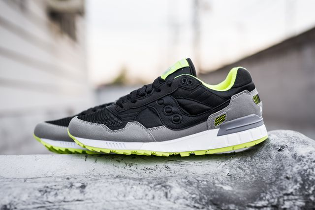 The Saucony Shadow 5000 | Neon sneakers