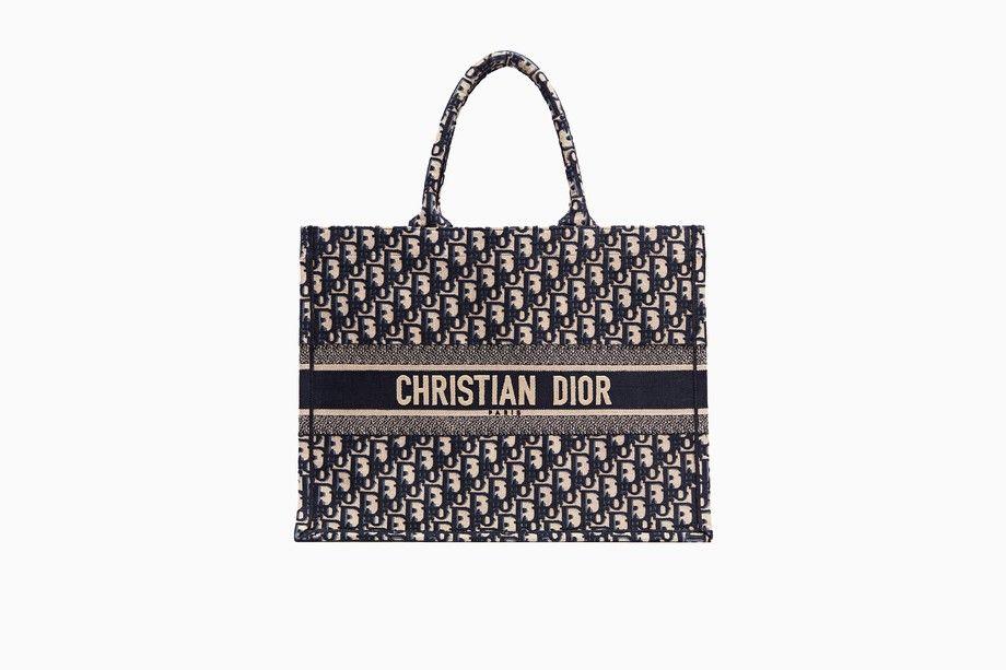 c7ea7aada4 undefined Cliquez ici pour agrandir l'image du produit Sac Dior Book Tote  en toile Dior Oblique surbrodée