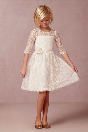 b8d0e11cdd530 Robe de cortège enfant fille courte en dentelle à manches mi-longues avec  fleur