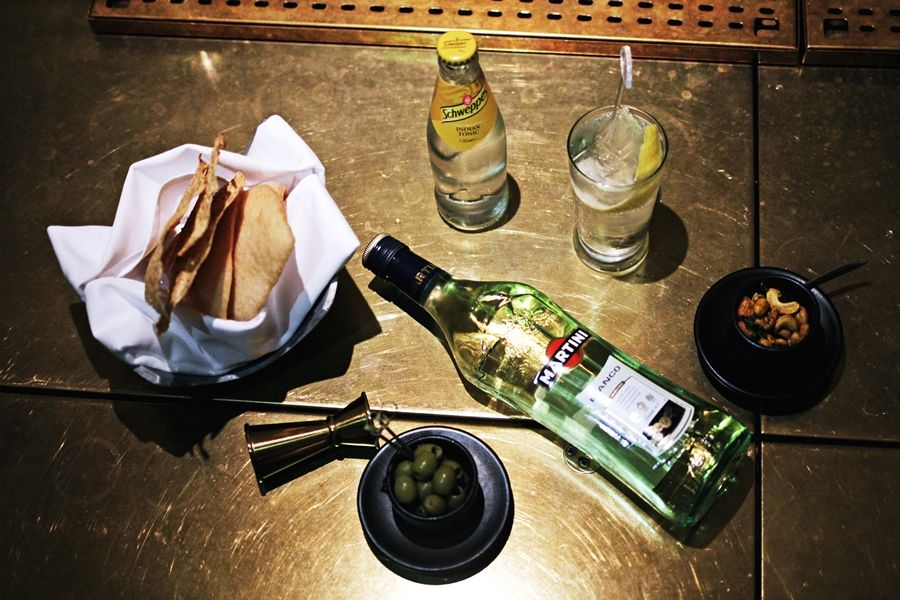 martini aperitif snacks bar #aperitifmoment #martinitonic #playwithtime