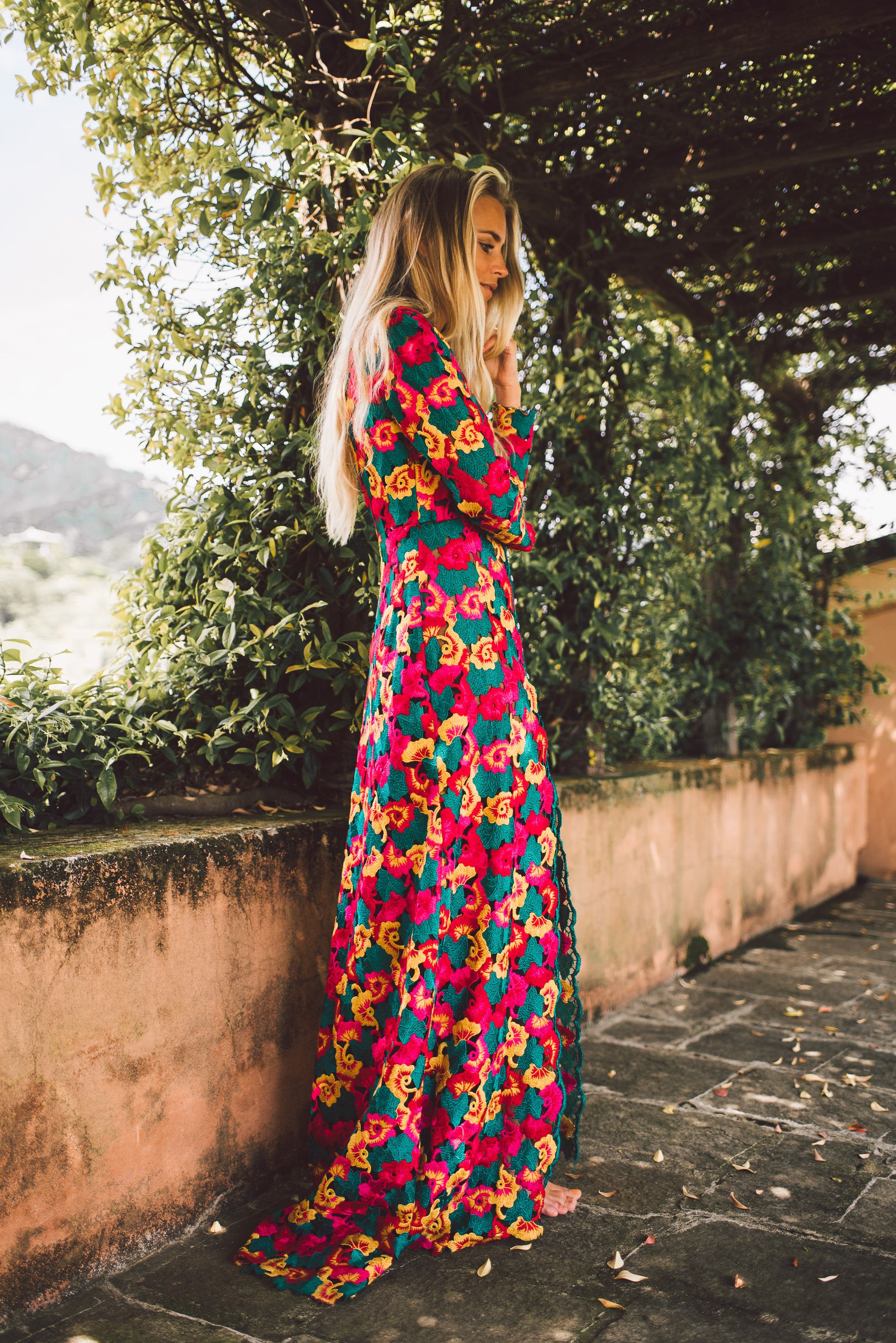 Beautiful Portofino <3 Wearing a Geraldina dress!  Hej hjärtan! Vet inte vart tiden försvann imorse, helt plötsligt var klockan 11 haha! Har jobbat undan massor och ska städa lite här hemma. :-) Jon hörde av sig imorse och berättade att han kommer hit ikväll - ÄNTLIGEN!!! Sjukt längesen vi träffa