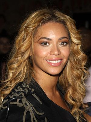 14 Honey Blonde Hues That Look Good On Pretty Much Everyone
