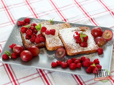 S druhým brunchom opäť zavítame do krajiny čerstvých bagiet a vynikajúceho syra. Francúzske toasty sú perfektnou pochúťkou na neskoré raňajky. Ich príprava je úplne jednoduchá, každý kuchársky antitalent...