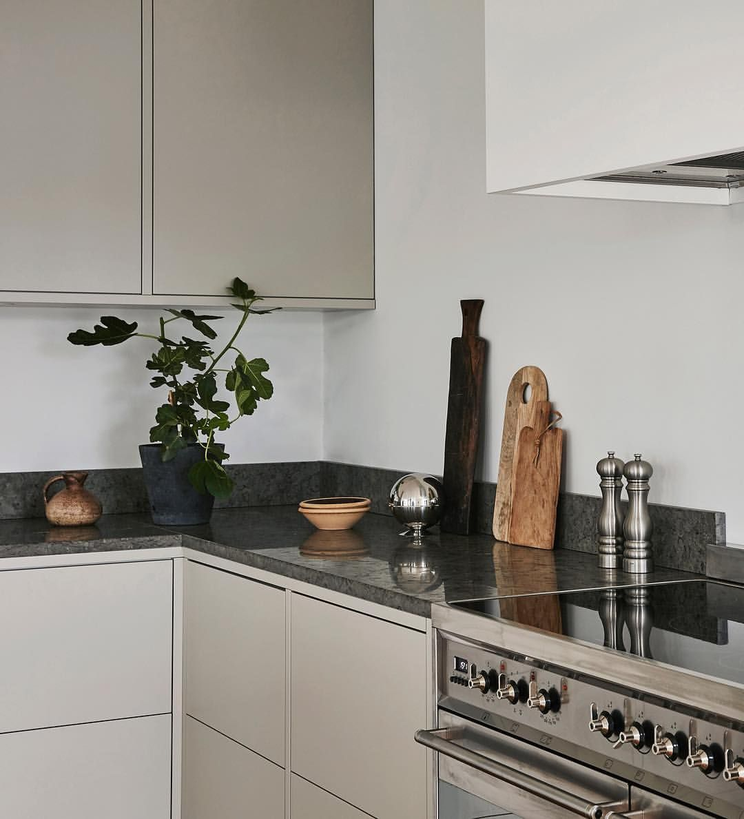 Koksdrommar Beige Kitchen Kitchen Interior Kitchen Cabinet Remodel