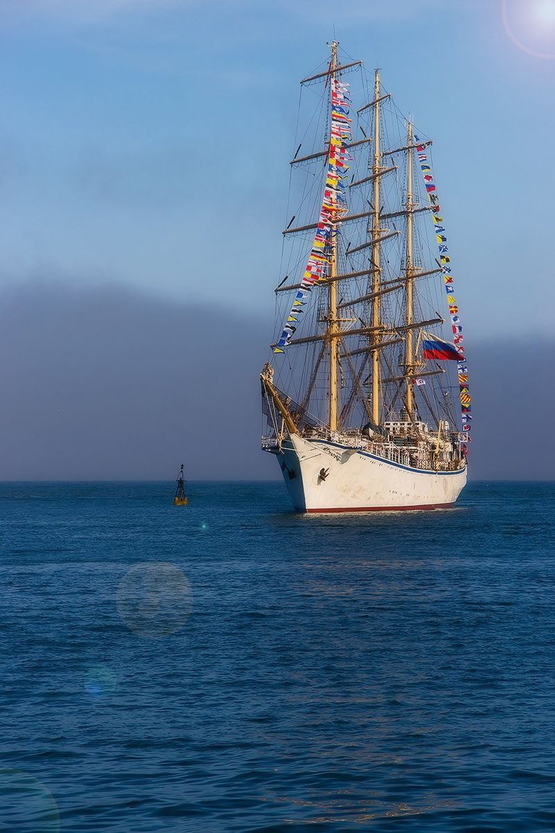 Sailing ship comes into the harbor. by Vladimir Elkin - Photo 89469087 - 500px