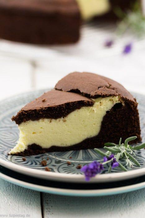 Schokoladenkuchen mit Käsekuchen-Füllung - Tulpentag. Foodblog.