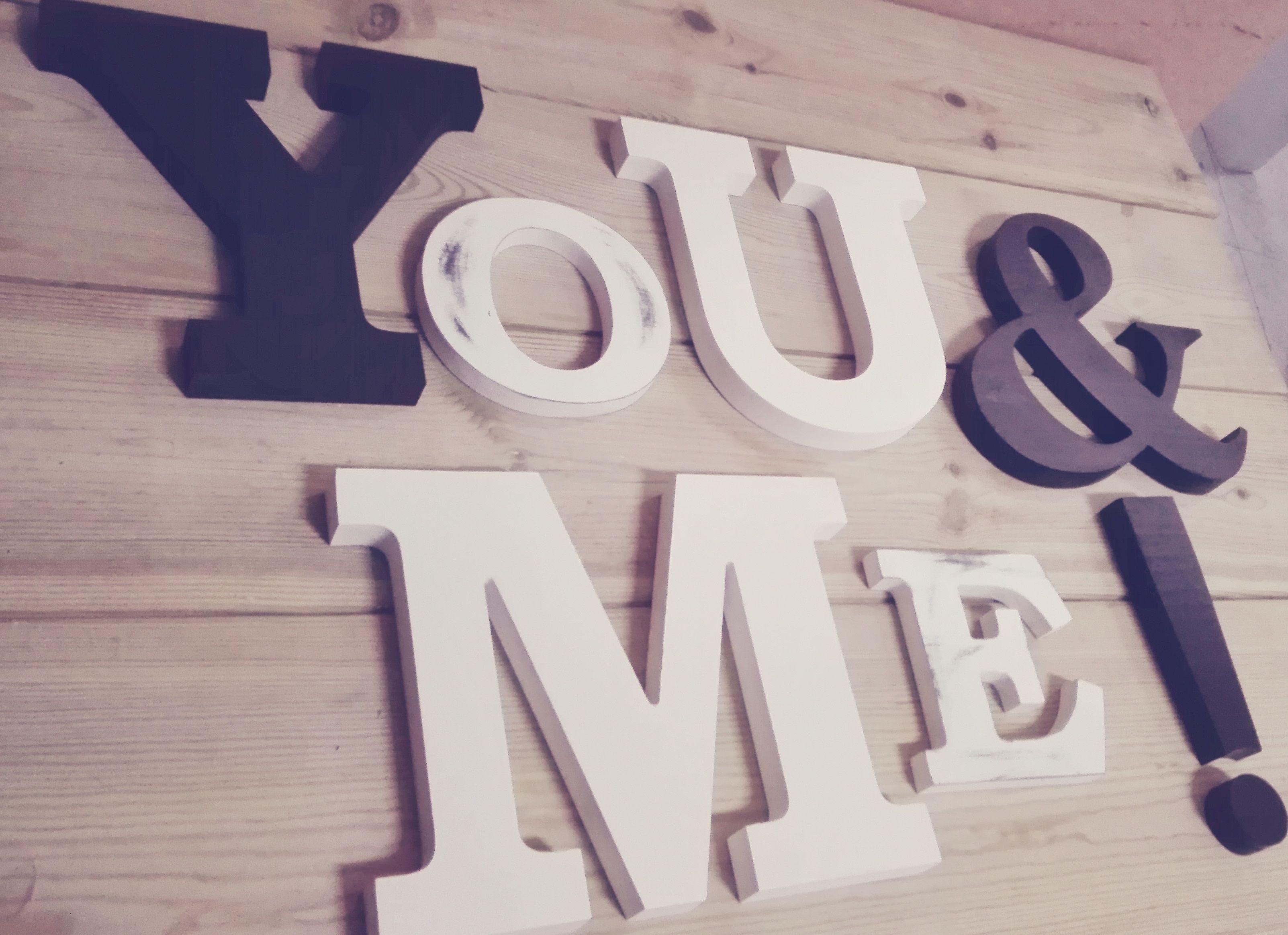 Composici n you me para decoraci n de pared - Ideas para decorar letras de madera ...