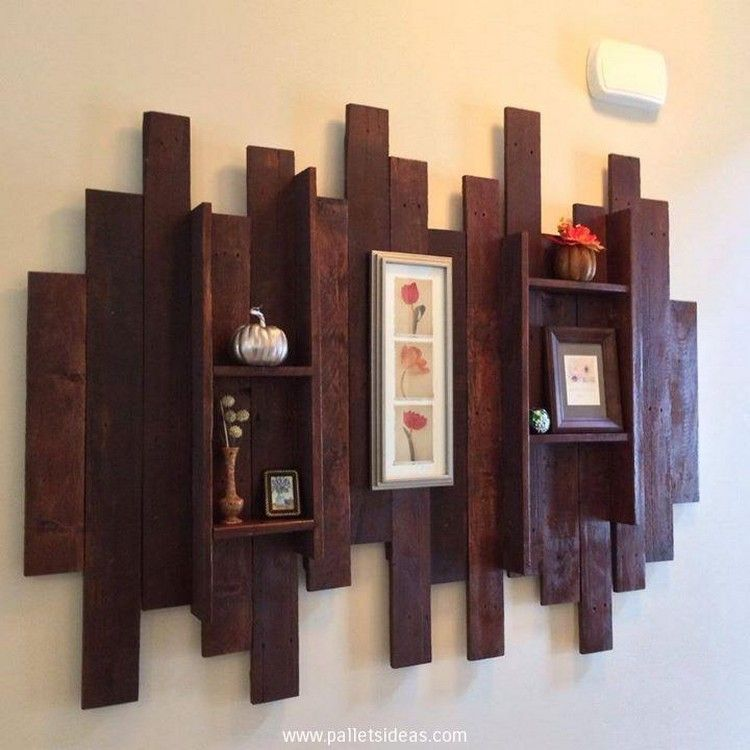 Pallet projects Pallet Shelves for Wall Decor