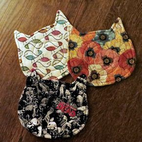 #Babyschlangen #Becher #Geschenke #Teppiche #und Ha! Ich beendete meine letzten DIY Urlaub Geschenke! Ich mache immer Kitty Thingies für Ashley und Darrin, Eltern von SIX Kitties. Und, ja, manchmal ist es schwierig, etwas Neues zu finden. Aber ich hatte Glück mit ou...