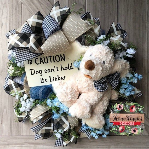 Crafts For Dog Lovers: Dog Door Wreath, Dog Paw Wreath, Dog Door Wreath, Dog