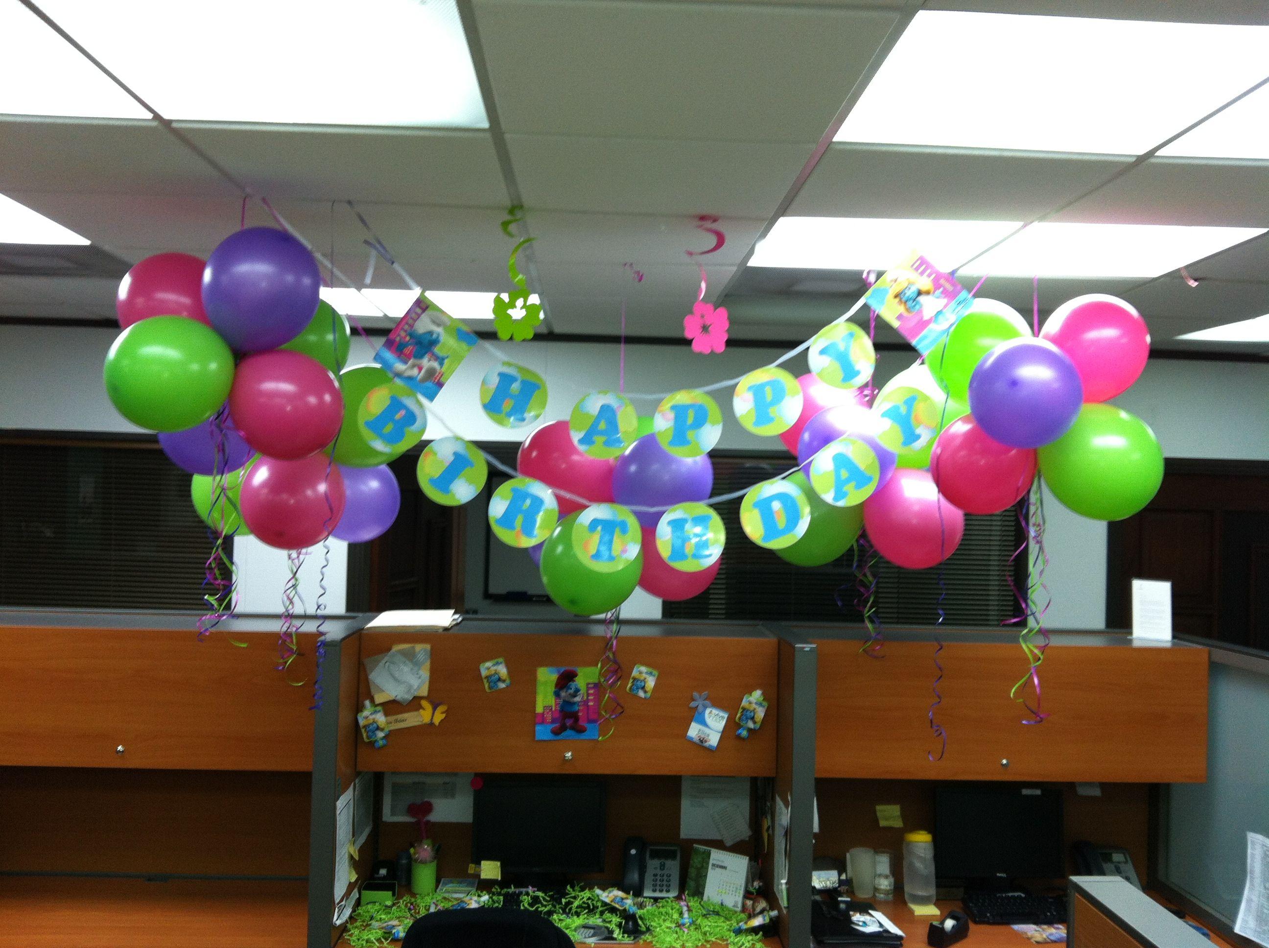 Pitufina cumplea os en el trabajo pinterest for Como decorar mi puesto de trabajo
