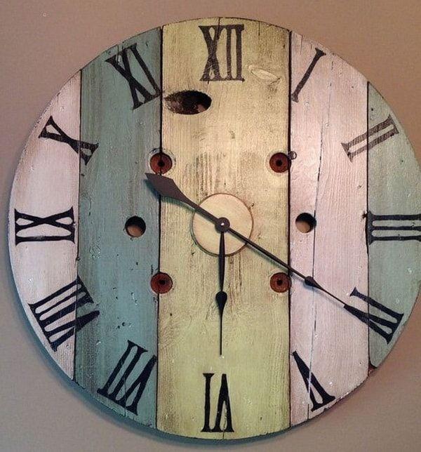Originales Relojes De Pared Caseros Decoracion De Interiores Y Exteriores Estiloydeco Bobinas De Madera Reloj De Pared Relojes De Pared