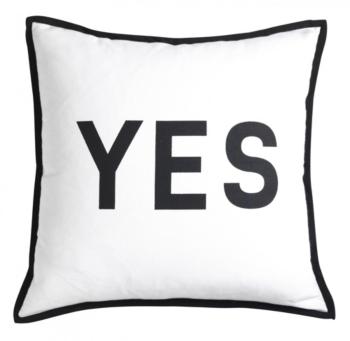decision coussins textiles de jour d coration fly pillows cushions pinterest. Black Bedroom Furniture Sets. Home Design Ideas