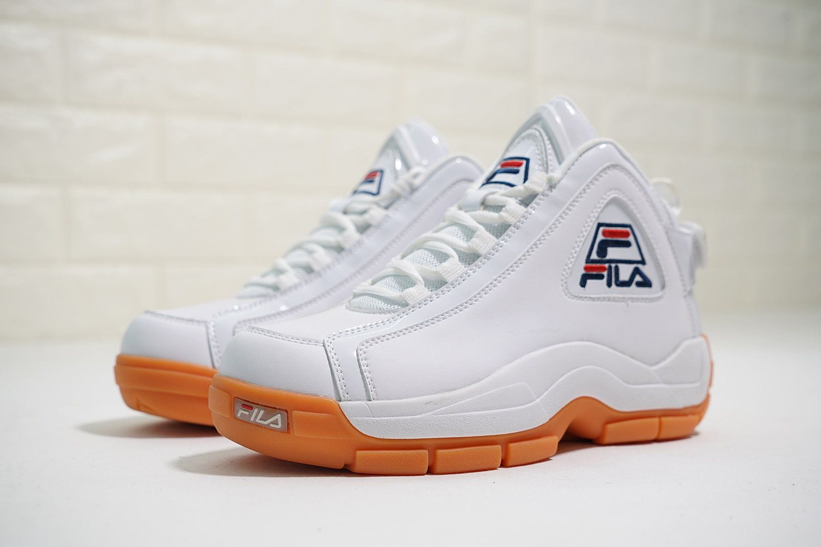 b9f730be9435 FILA 96 GRANT HILL RETRO BASKETBALL FOOTWEAR WHITE NAVY FHE101 05   sponsored  fila