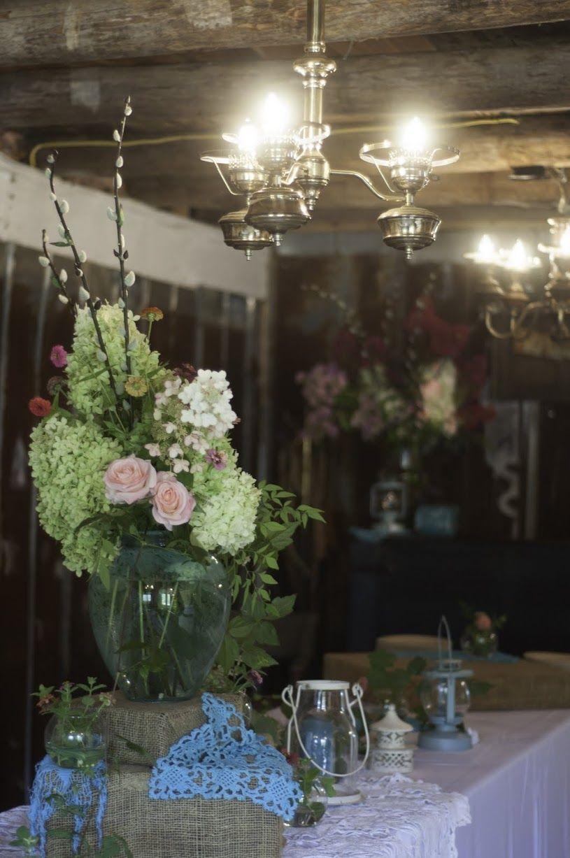 Rustic wedding decoration - Table dressing - Mountain Laurel Farm ...