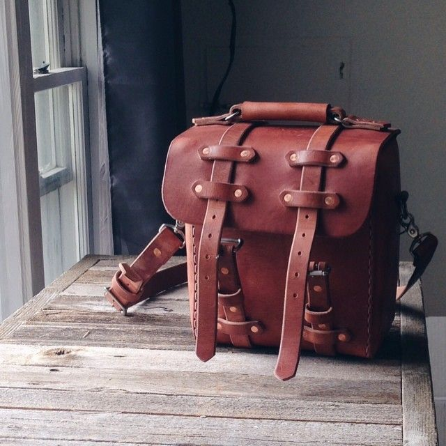 You'll never find another photography field bag like this one. Made with the finest saddlery leather from a world renowned American tannery, Hermann Oak. #carrywell #beautywithage #photography...