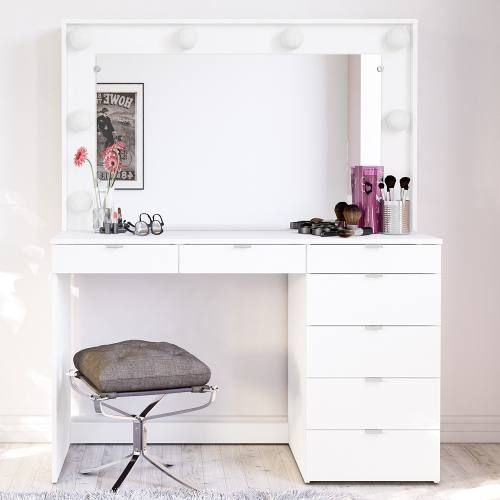 white excellent vanity bedroom real for directories estate vanities bedrooms design