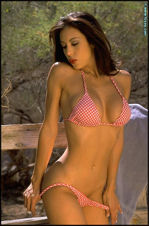 linda oneil Bikini