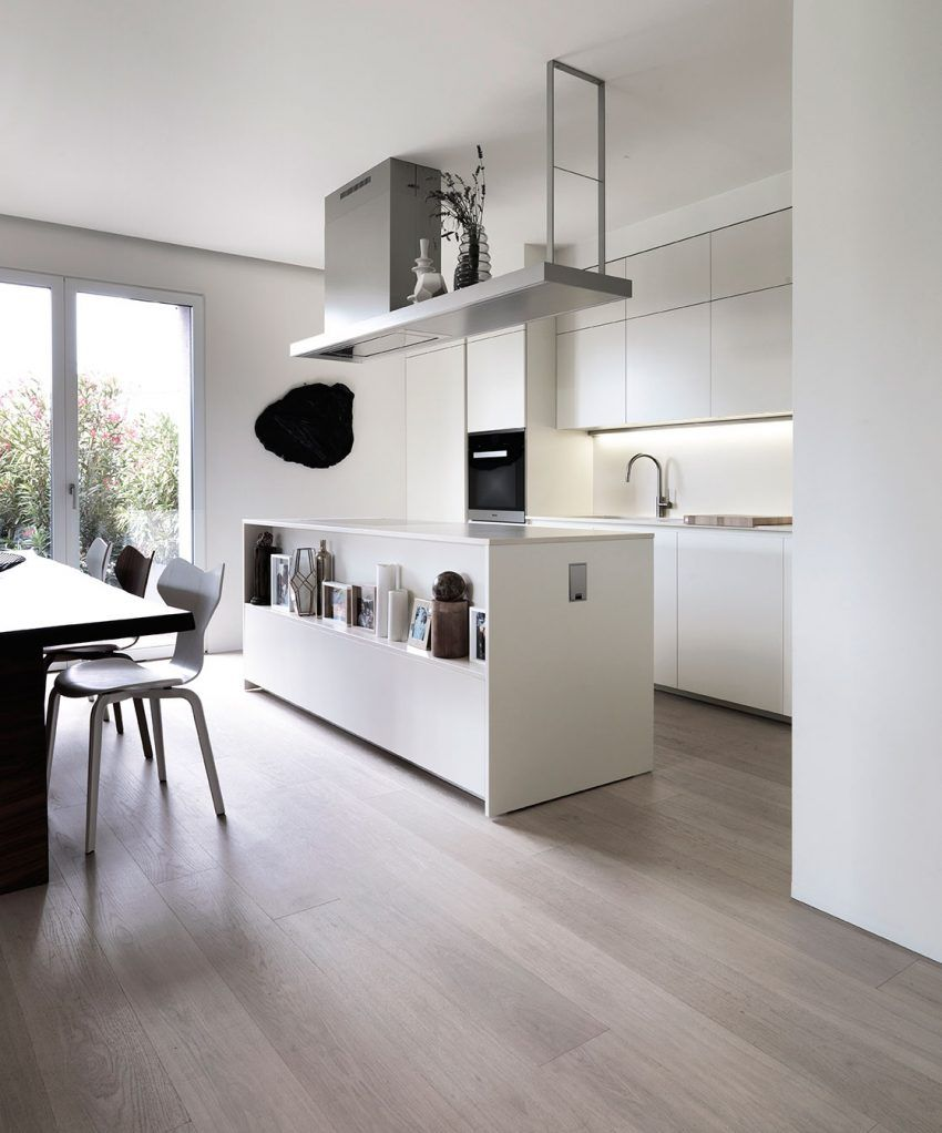 Matteo Kitchens: Matteo Nunziati Designs An Urban House With A Garden In