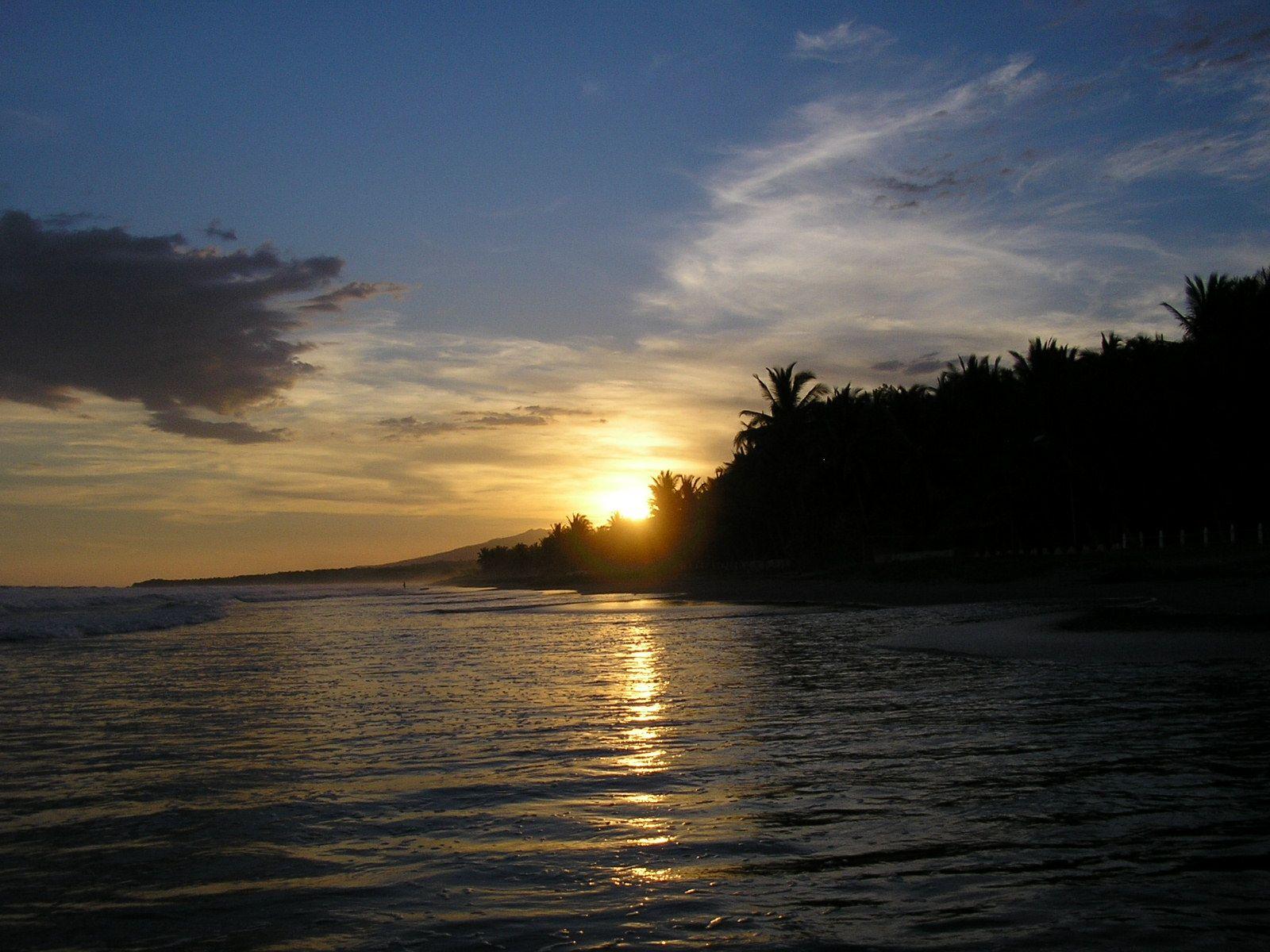 Playa el Cuco , El Salvador