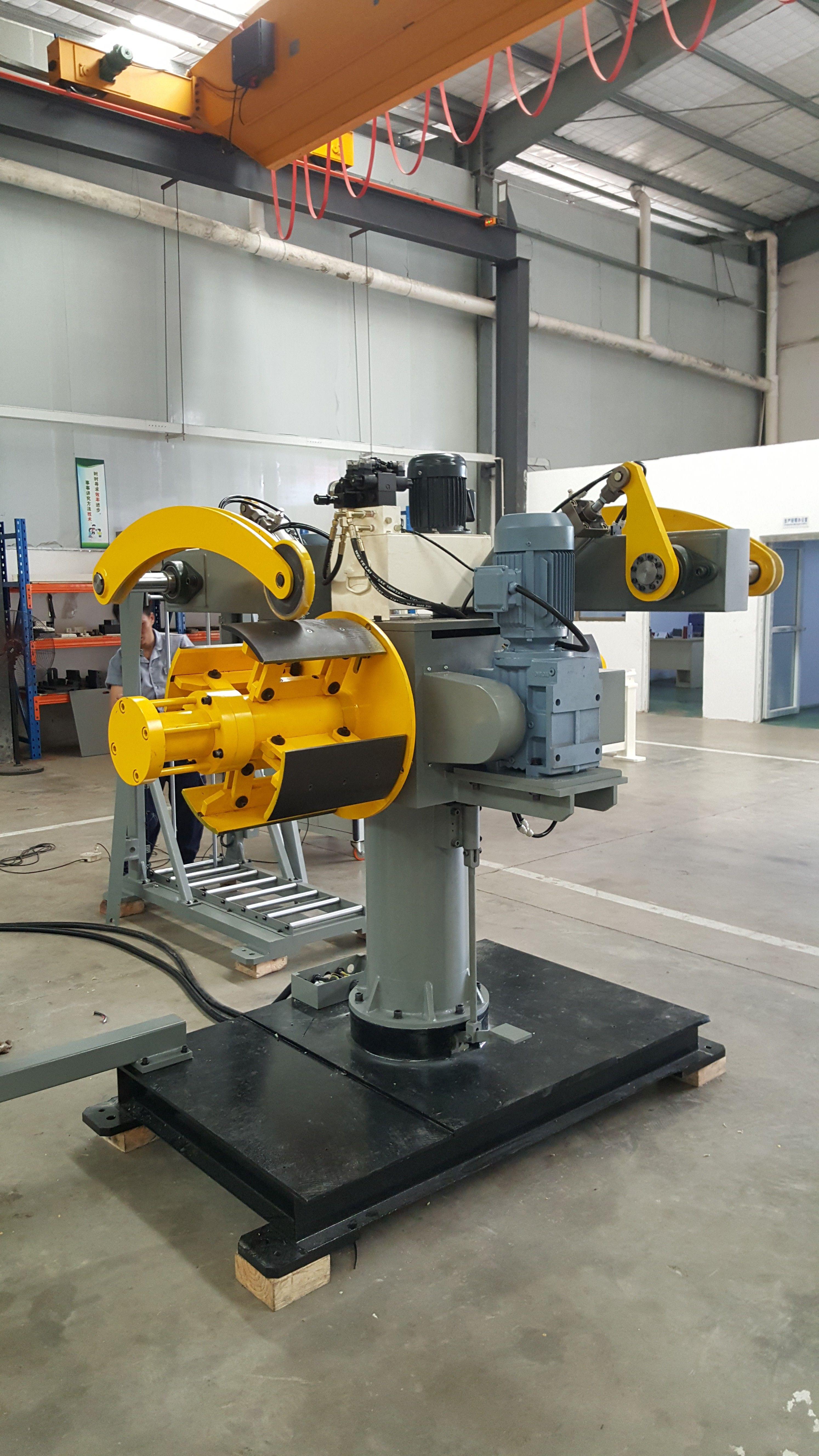 #metalpressings #precisionstampings #metalprocessing #coilfeeder #decoiler  Double Heads Decoiler Machine