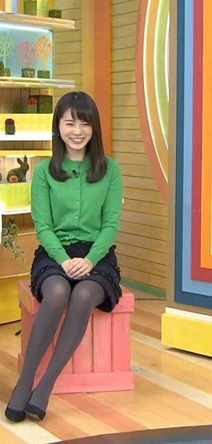 足がきれいな皆川玲奈