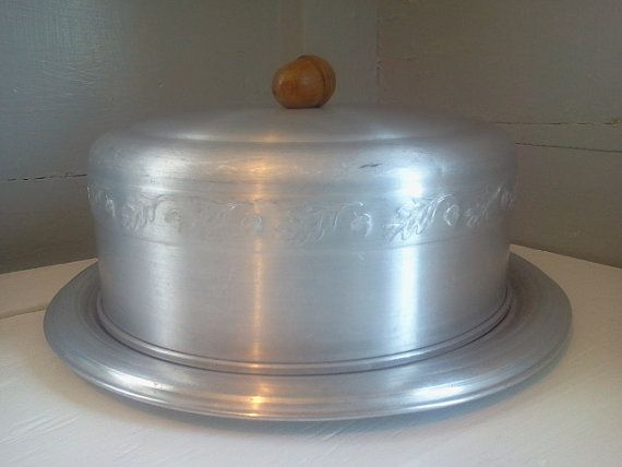 Hey, I found this really awesome Etsy listing at https://www.etsy.com/listing/223685574/vintage-aluminum-cake-keeper-cake