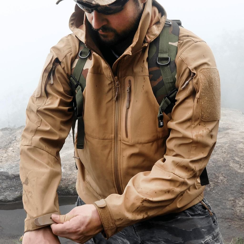 It S A Multipurpose Mid Weight Jacket Ideal For Both On And Off Duty Wear Perfectly Engineered For An Unbeatable Performance Tactical Jacket Jackets Tactical [ 1024 x 1024 Pixel ]