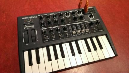 Arturia Microbrute Monophoner Analog Synthesizer in Berlin