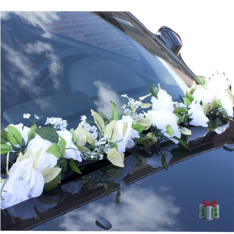 50530e581a2 Bloemenslinger als auto decoratie.   Trouwen in 2019   Auto bruiloft ...