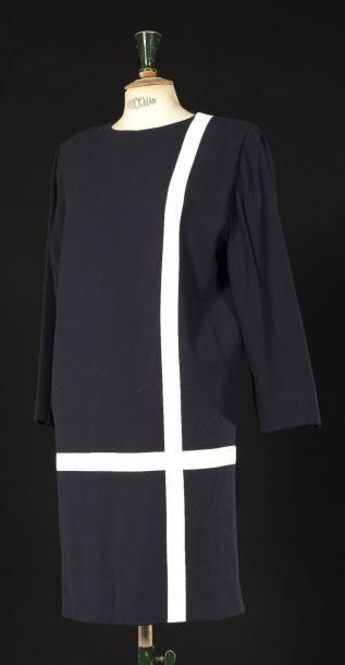 Pierre Cardin Haute Couture Circa 1990 Robe De Forme Droite En Etamine Pierre Cardin Haute Couture Robe