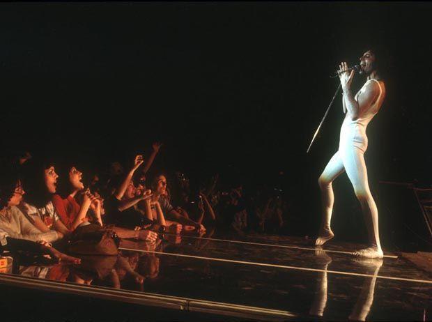 Freddie Mercury Sobre Imagens - VEJA.com   Sobre Imagens - VEJA.com