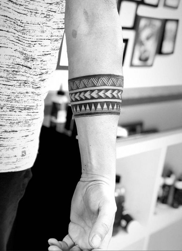 40 Perfect Armband Tattoo Designs For Men And Women Tattoo Ideas In 2020 Band Tattoo Designs Band Tattoos For Men Armband Tattoo Design