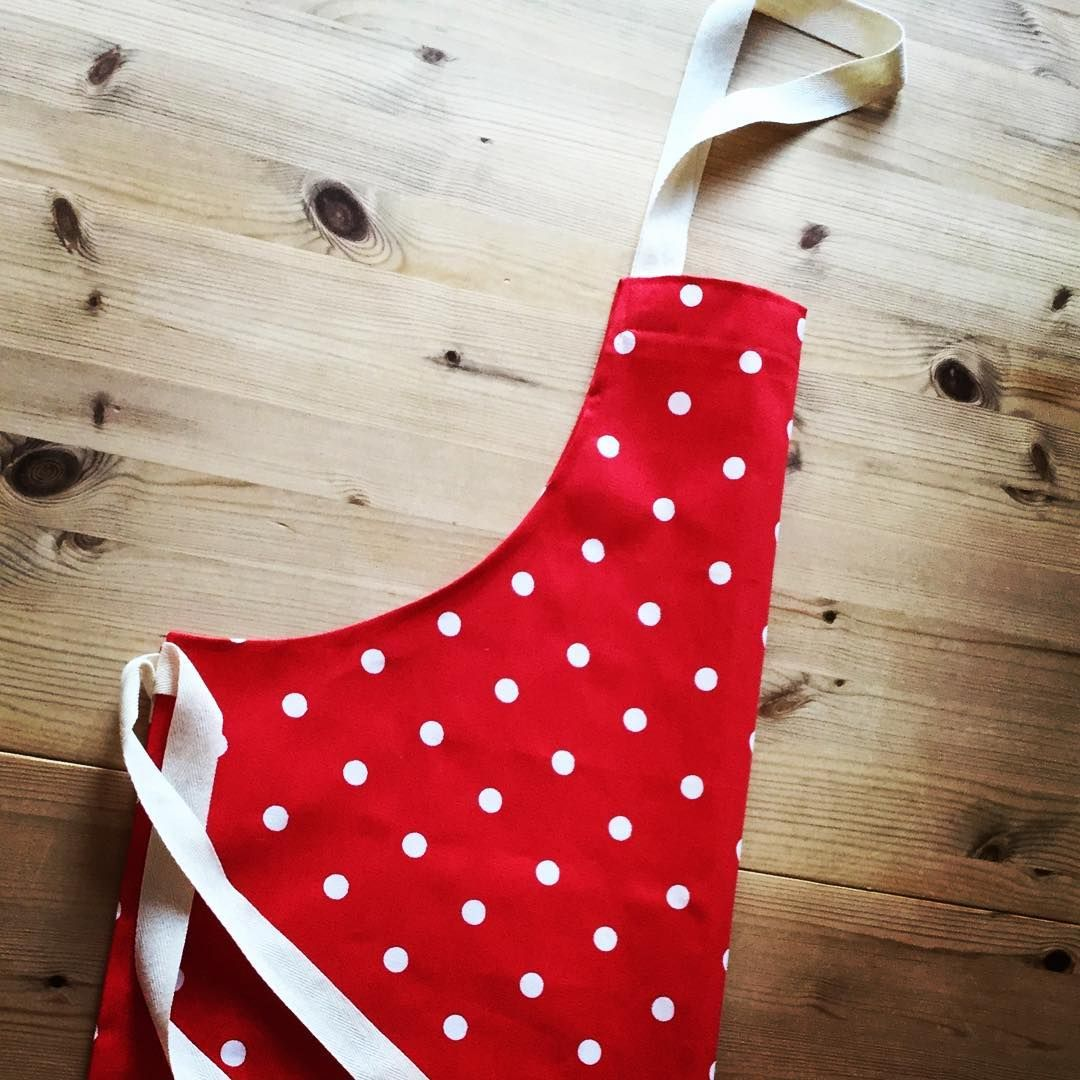 This red apron with white spots would make a lovely gift! Available from LittlePeaHandmade.etsy.com  #giftsgalore #buyhandmade #kitchen #apron #spotty #supporthandmade #the_sewcialists #etsyshop #etsyseller #etsygifts #happierhandmade #lovehandmade #etsyfinds #etsy