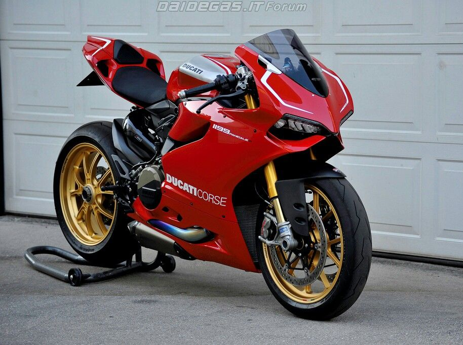 Panigale R Note Switch To Standard Akrapovic After Years