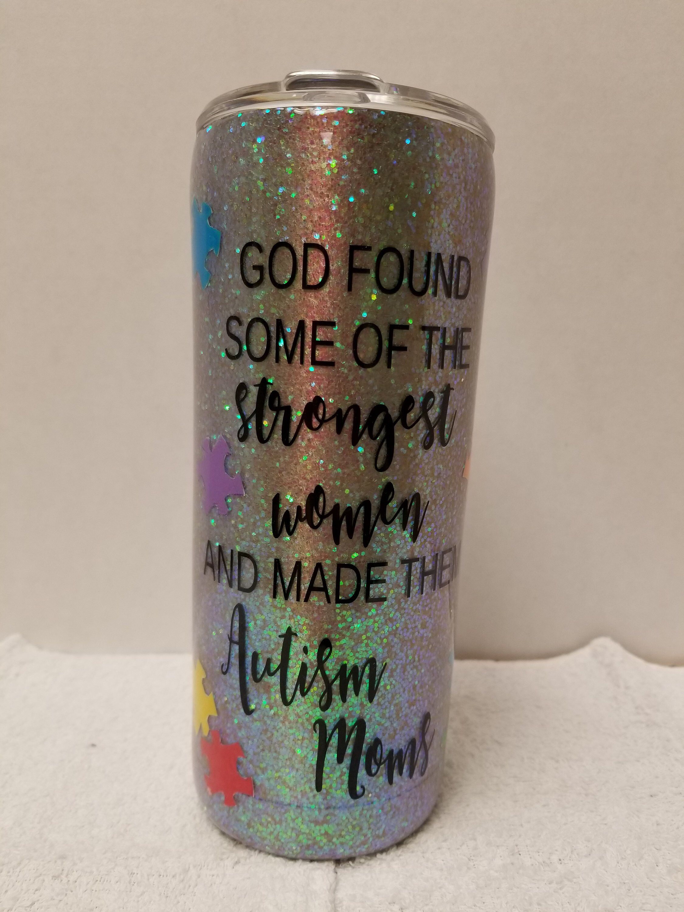 8a1ee0d88a1 Pin by Monica Milazzo on I need to try this | Tumbler, Glitter cups ...